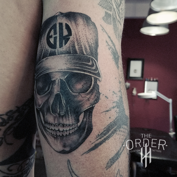 Black And Gray Skull – The Order